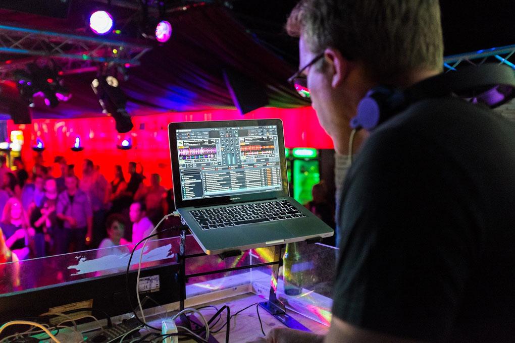 Veranstaltungstechnik leihen für Online und Offline Events